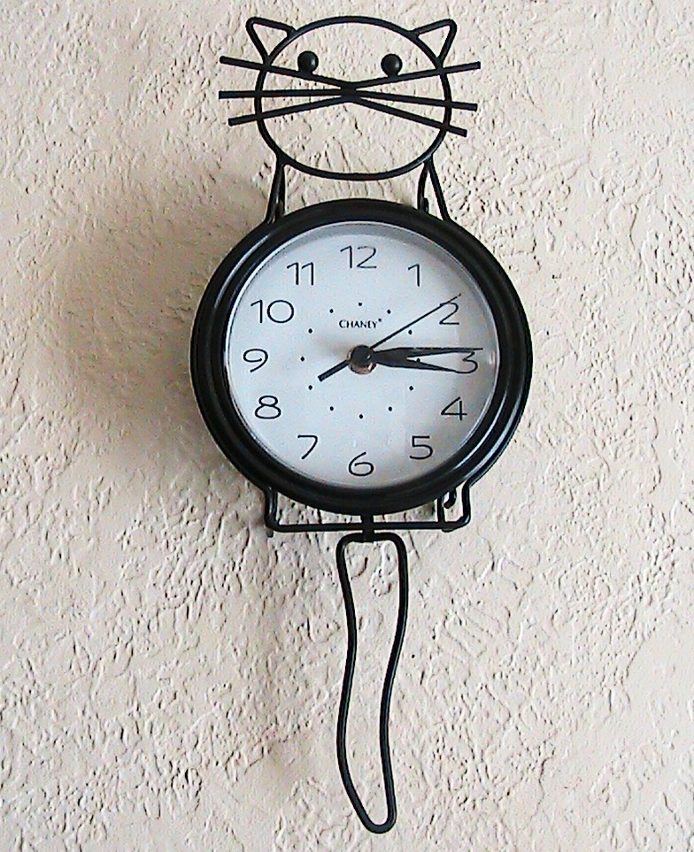 Kitty Cat Clock : Wordless Wednesday
